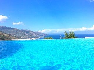 SAN GIORGIO PANORAMIC SEA VIEW APARTMENT Pool Terrace Parking Taormina