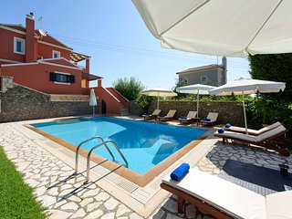 Luxury Villa Lemonia with Private Pool