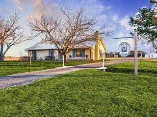 Thistle House - Farm House *NEW LISTING