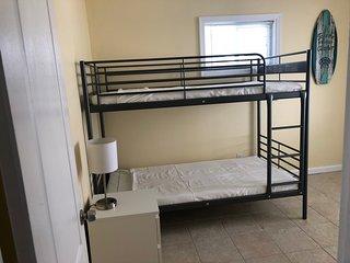 1354 simpson ave . 3 bedroom 1st floor