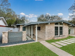 NEW! Mid-Century Sensation: Centrally Located