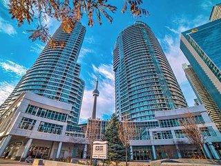 Million Dollar Toronto Skyline View