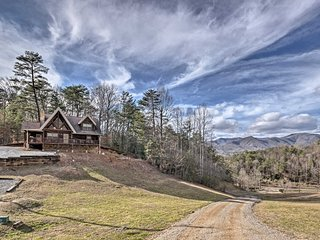 'Deep Creek Mountain Lodge' w/Prvt Hot Tub & Views