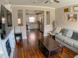Cozy Townhome In East Downtown HTX- Sleeps 10+