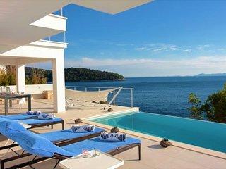 Luxury seaside villa with pool for rent Korcula