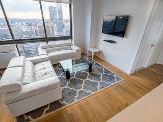 22M-UWS-COLUMBUS AVE-2BR-2BA-POOL-GYM