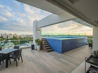 Santo Domingo Luxury Downtown Pool Apartment