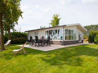 Grosthuizen Holiday Home Sleeps 5 with Pool and WiFi - 5746233