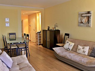Viva Riviera Cosy and Large 2 Bedrooms with balcony