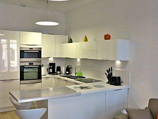 Viva Riviera Modern Brand New 1 Bedroom Palais Foch