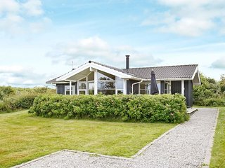 Vesterby Holiday Home Sleeps 6 with WiFi - 5042381