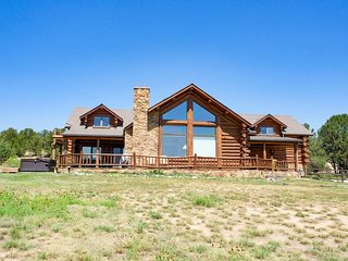 Bright Star Ranch - 5 bedroom with hot tub on 40 acres