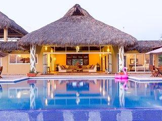 Casa Doris Stylish Ocean Front Villa Resort with Full Service