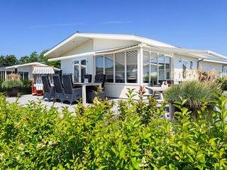 Noordwijkerhout Holiday Home Sleeps 5 with Pool and WiFi - 5745925