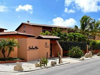 Jardines 3 bedroom gated Townhouse at Eagle Beach