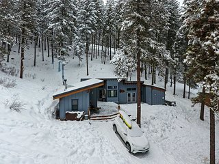 Off-The-Grid Mtn Home - 20 Mins to Leavenworth!