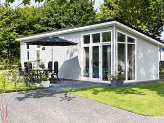 Klein Hitland Holiday Home Sleeps 5 with Pool and WiFi - 5746056