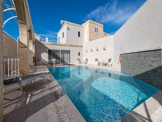 ZEPPI's – Luxury Converted Farmhouse with Private Pool in Island of Gozo