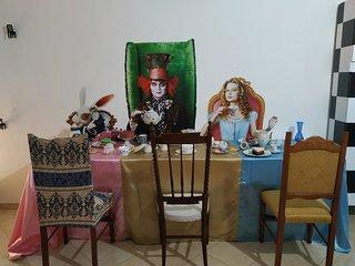 Alice nella suite delle meraviglie