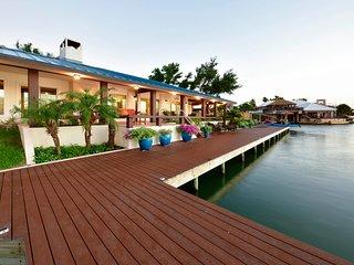 Key Allegro Waterfront-Best Location on Island