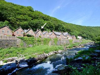 Lynmouth Holiday Home Sleeps 4 - 5712749
