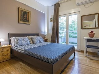 IOKASTI Suite 1st floor in Exarchia Square 8 guest