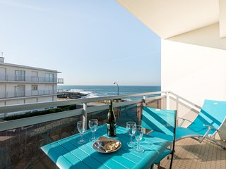 1 bedroom Apartment with WiFi and Walk to Beach & Shops - 5802155