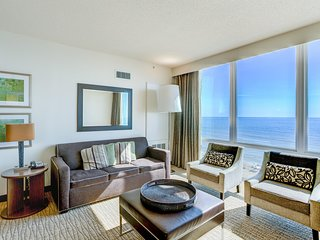 Elegant Ocean Front Suite w/ Private Balcony, Free WiFi & Resort Game Room