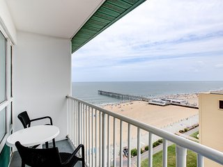 Stylish Suite near Beach w/ Free WiFi & Cable, Resort Pools & Great Balcony View