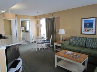 Modern Suite near Beach w/ Free WiFi, Gym, Resort Pools & Great Balcony Views