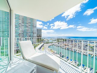 The Modern Honolulu - 1BD Ocean Front Marina Suite