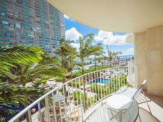 The Modern Honolulu - Studio Suite with Terrace King