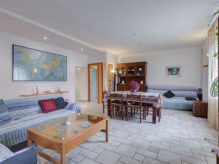 Spazioso appartamento, 9 letti, Wifi, vicino Eur