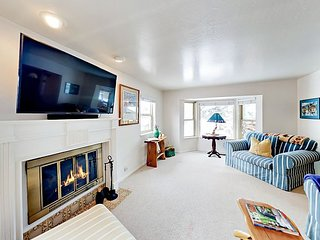 Family-Friendly Park Meadows Home with Office | Walk 300 Yards to Ski Shuttle