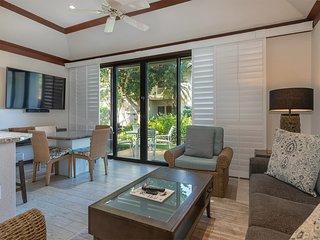 Ground Floor Ease+Open Kitchen, Lanai, Ceiling Fans, WiFi & Flat Screen–Kiahuna