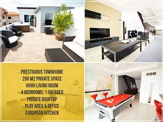 Private City Townhouse: Modern living Room, 4 Br, Rooftop, Billard, Bbq etc.