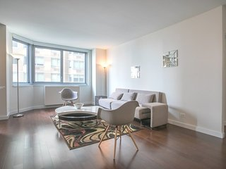 S9L-EAST 34TH STREET 1BR-GYM & DOORMAN!
