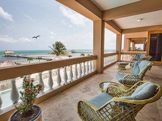 ♡ Hol Chan Reef Villas | Luxury 2nd floor oceanfront, beachfront condo. 3 pools!