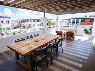 Bonaire Penthouse Apt w pool/views