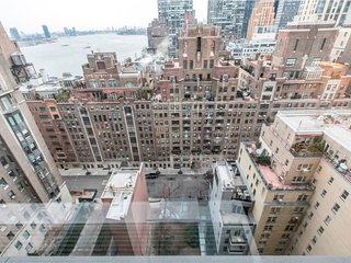 29D-SUTTON PLACE-LUXURY 1BR WITH DOORMAN