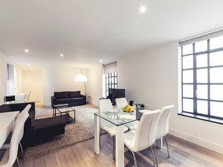 135. IN THE HEART OF COVENT GARDEN - CHARING CROSS AREA SPACIOUS 2BR