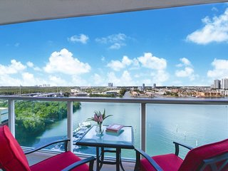 Stunning 2bd Condo/Balcony/Bay view/Pet Friendly