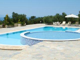 Analipsi Villa Sleeps 8 with Pool - 5770955