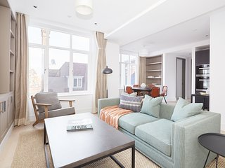 Sonder | The Arts Council | Lovely 2BR + Laundry
