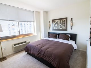 MODERN ONE BEDROOM APARTMENT WITH CITY VIEWS-ZEN SUITES-16QE