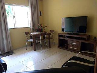 Cabo Frio/ Praia do Peró Casa  triplex 3qtos 2 suítes 1 vaga de garagem tv Sky