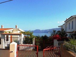 3 bedroom Villa with Walk to Beach & Shops - 5770984