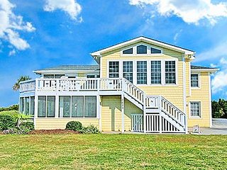 Sunny Side Up - 5BR Ocean View House in North Topsail Beach - Sleeps 17