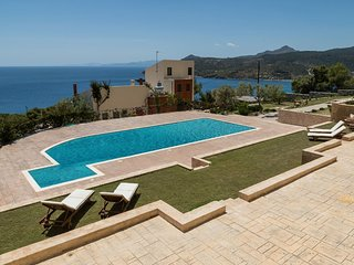 Aegina Alexandra Villa II with shared pool, near the sea & Agia Marina village