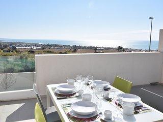 Nesea Domus - Apt Sea View: Lussuoso appartamento con terrazza vista mare